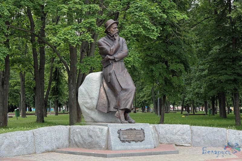 Помнік Францішку Багушэвічу ў Смаргоні